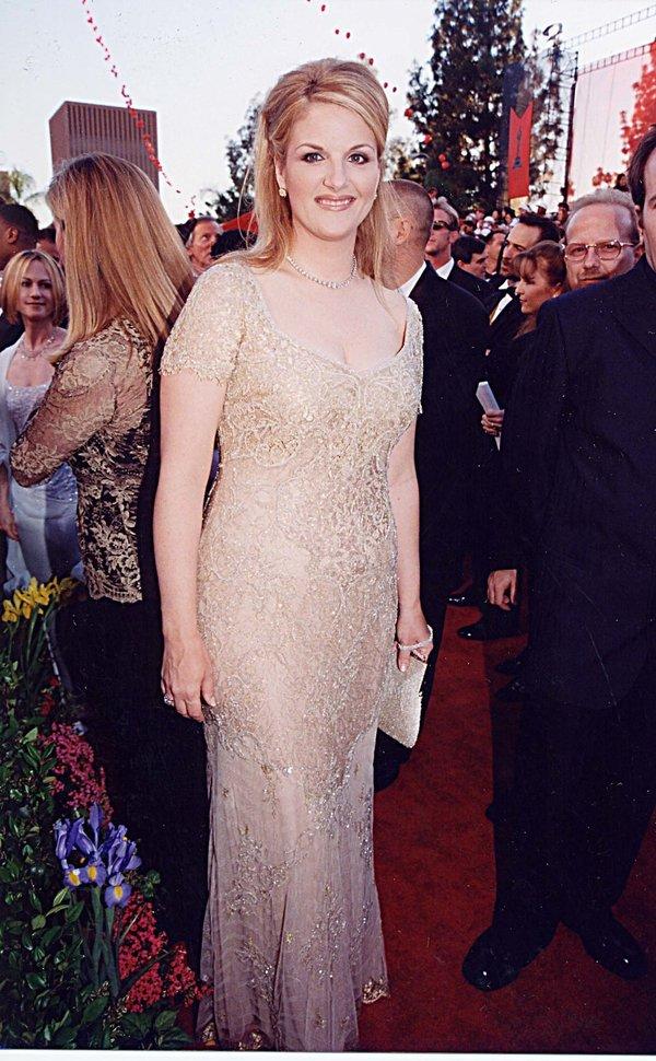 Trisha Yearwood at the 1998 Academy Awards in Los Angeles. (Photo by Jeff Kravitz/FilmMagic,