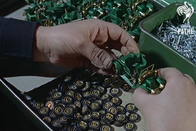 【ビデオ】英国マッチボックス製ミニカーの製造過程を紹介する、半世紀前のモノ作り映像!