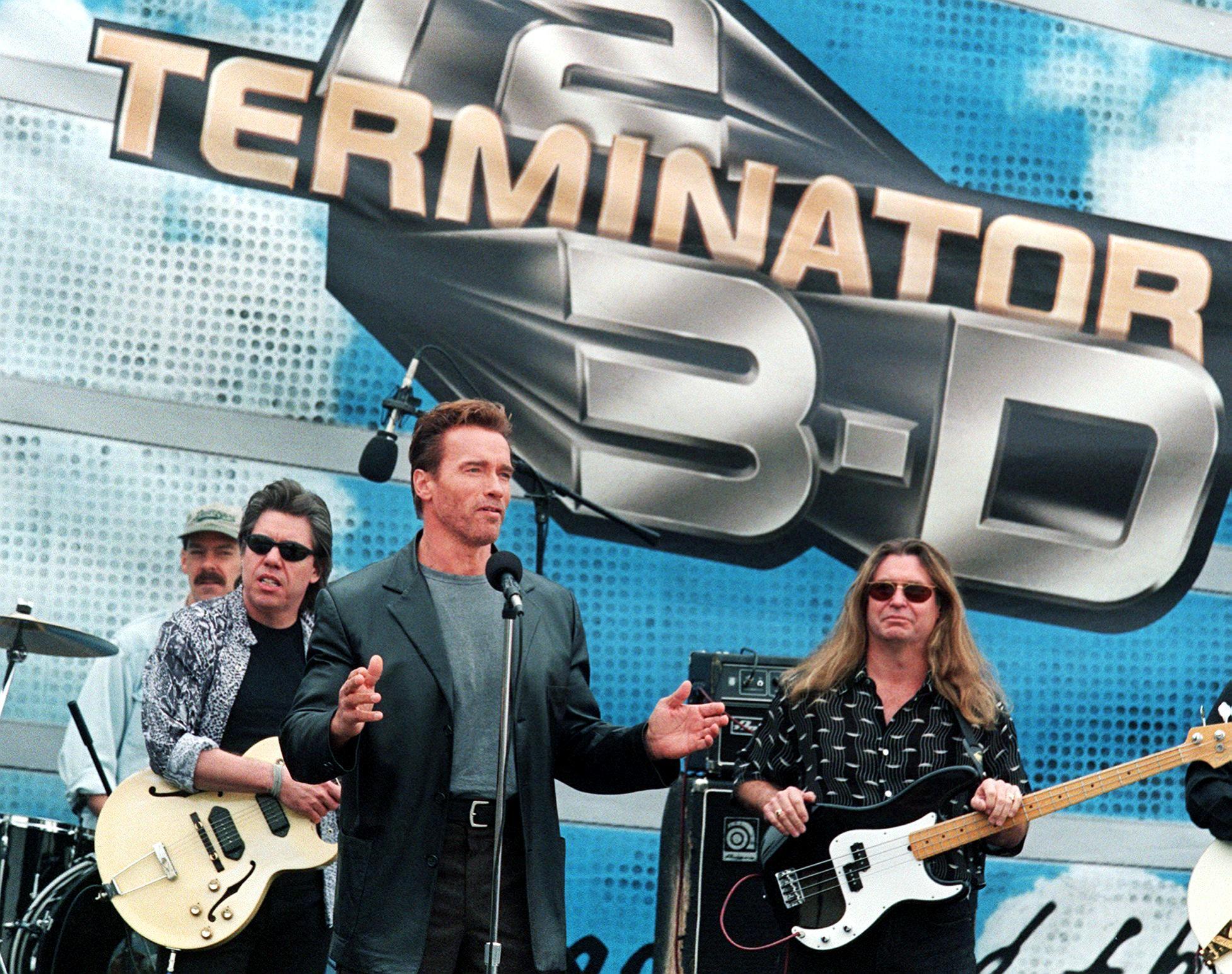 US actor Arnold Schwarzenegger (front L) introduce