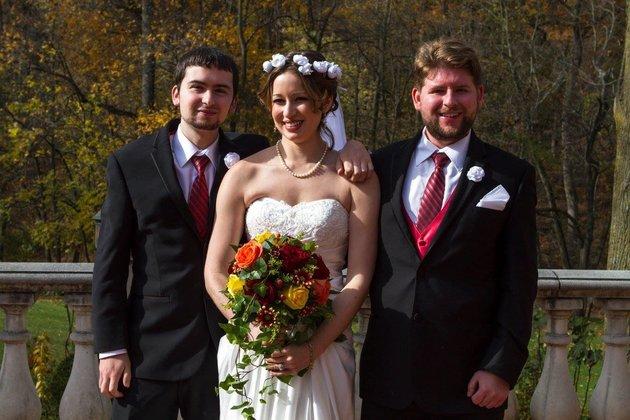 De gauche à droite: Shawn, Hope, et