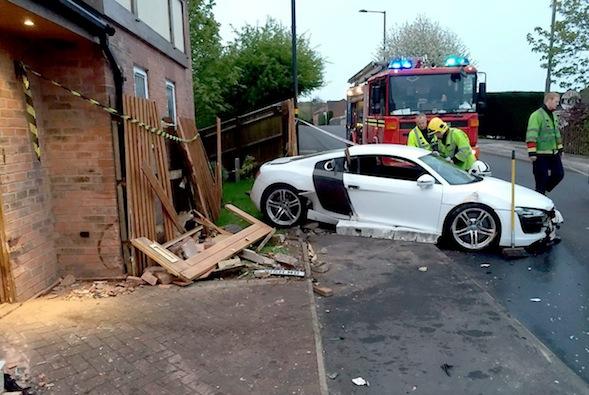 Crashed Audi R8
