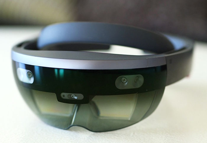 The next HoloLens will use AI to recognize real-world objects