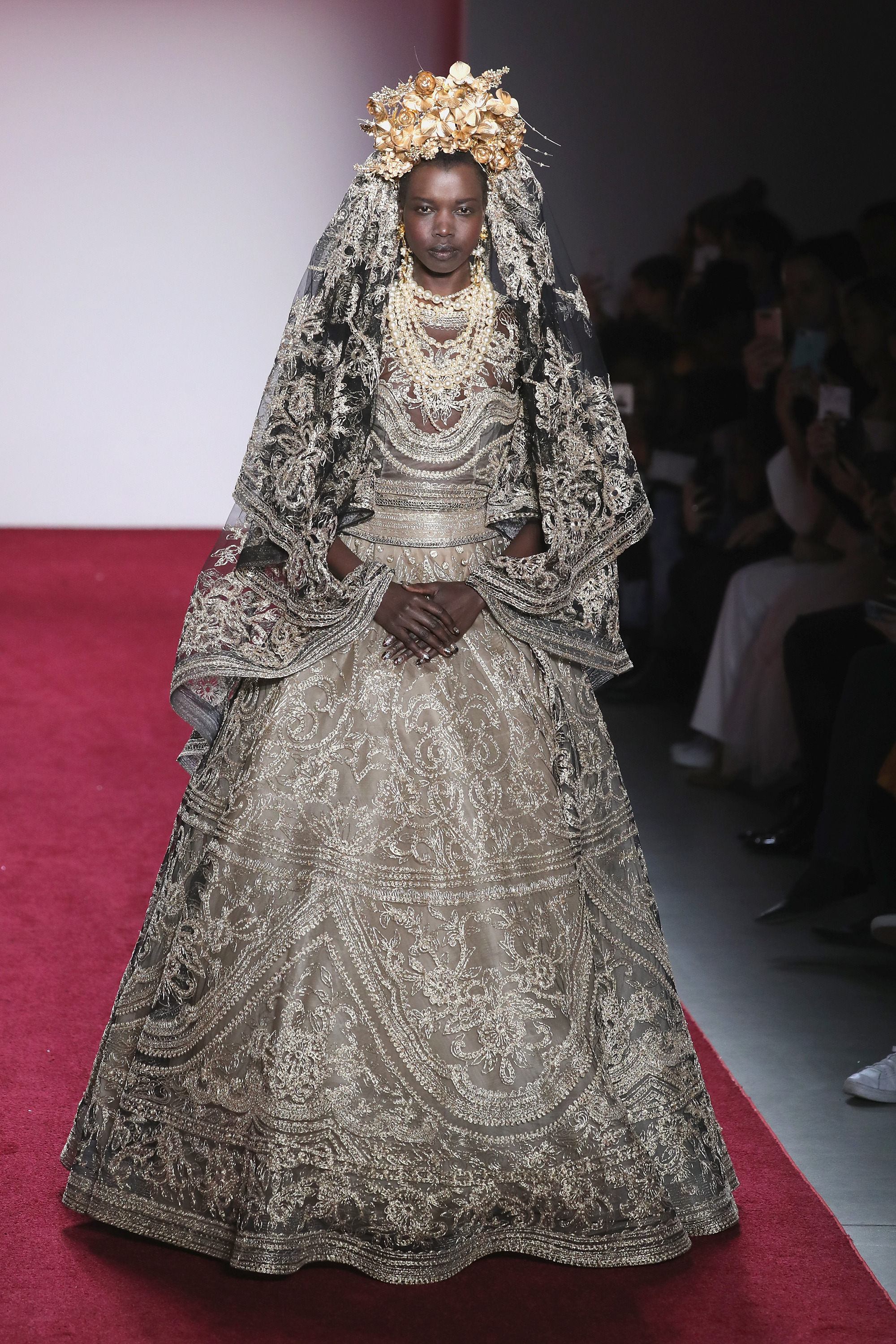 Naeem Khan - Runway - February 2017 - New York Fashion Week: The Shows