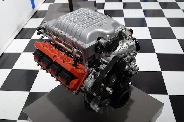 【SEMA2017】あなたのビンテージカーも707馬力に! MOPARがヘルキャットV8エンジン単体と換装用キットを発売