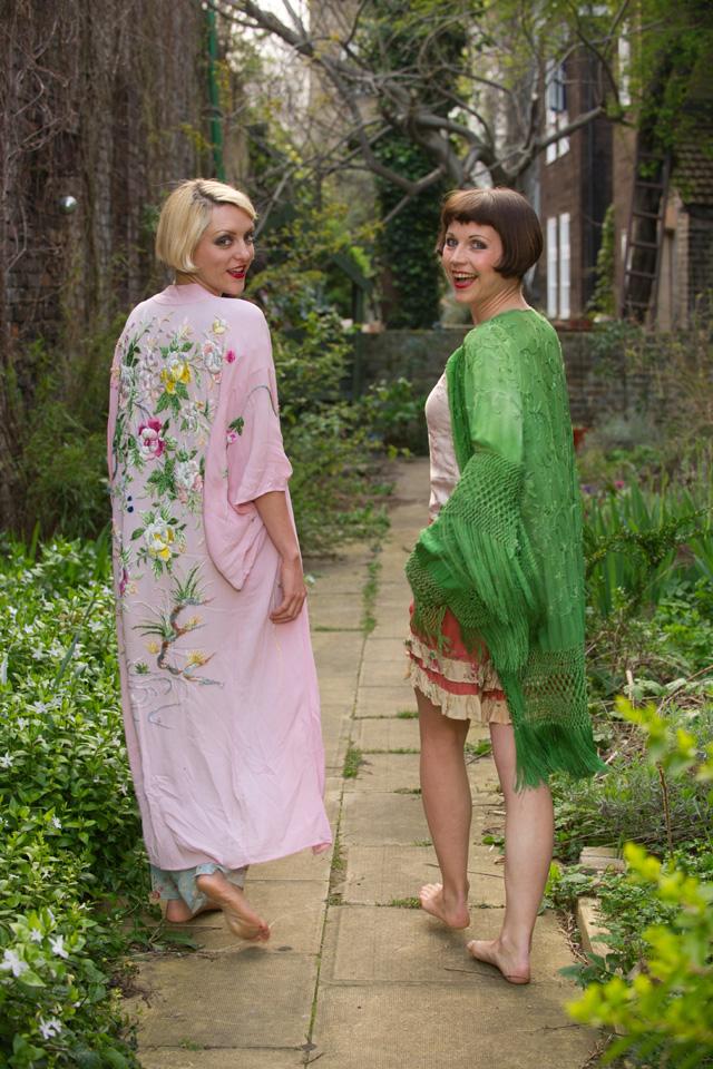 My Vintage Wardrobe: The Bee's Knees' Aila Baila And Holly