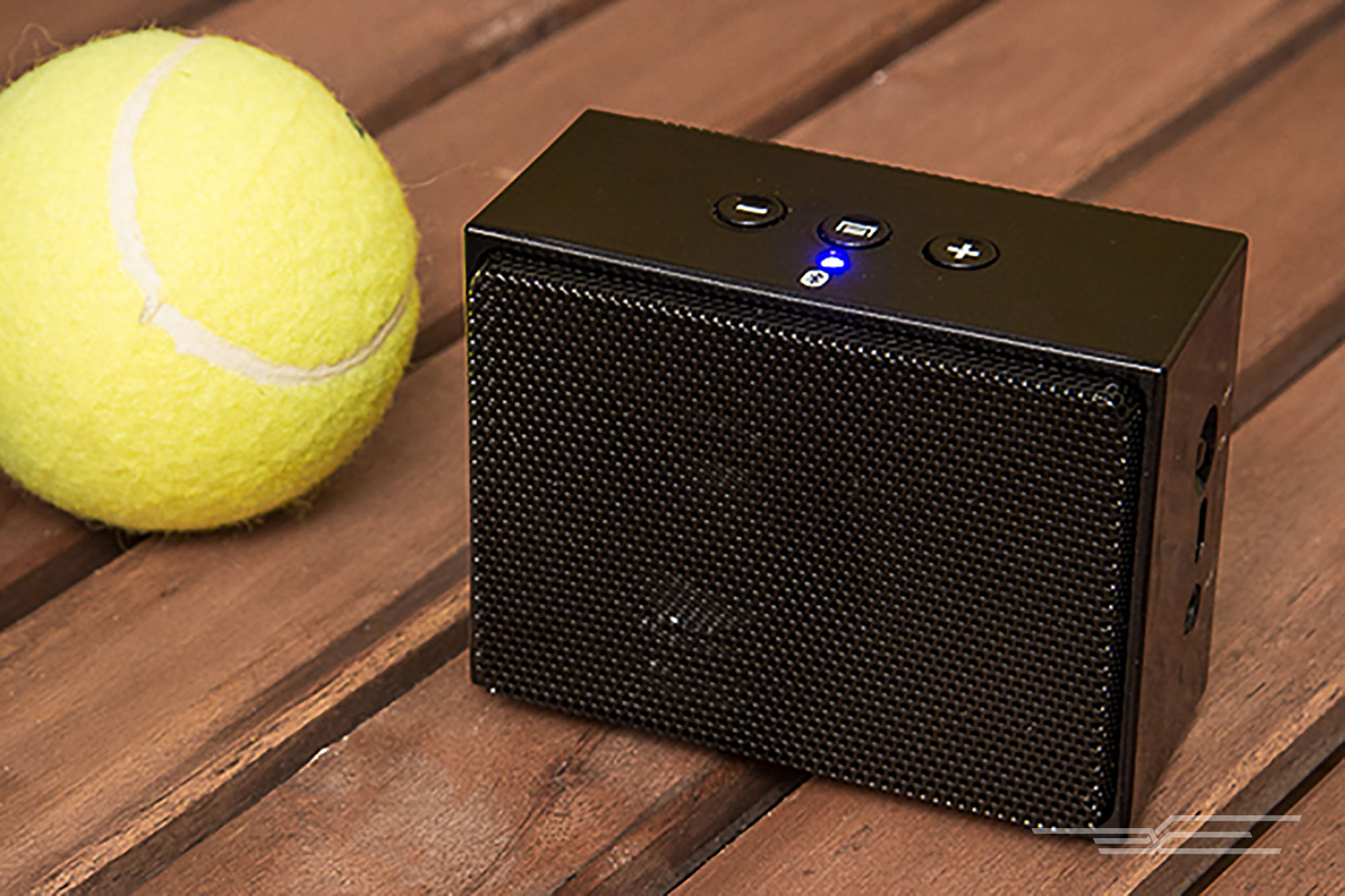loud portable bluetooth speakers. the btv2 delivers good sound for its size and price, even includes a speakerphone function neoprene carrying pouch. loud portable bluetooth speakers k