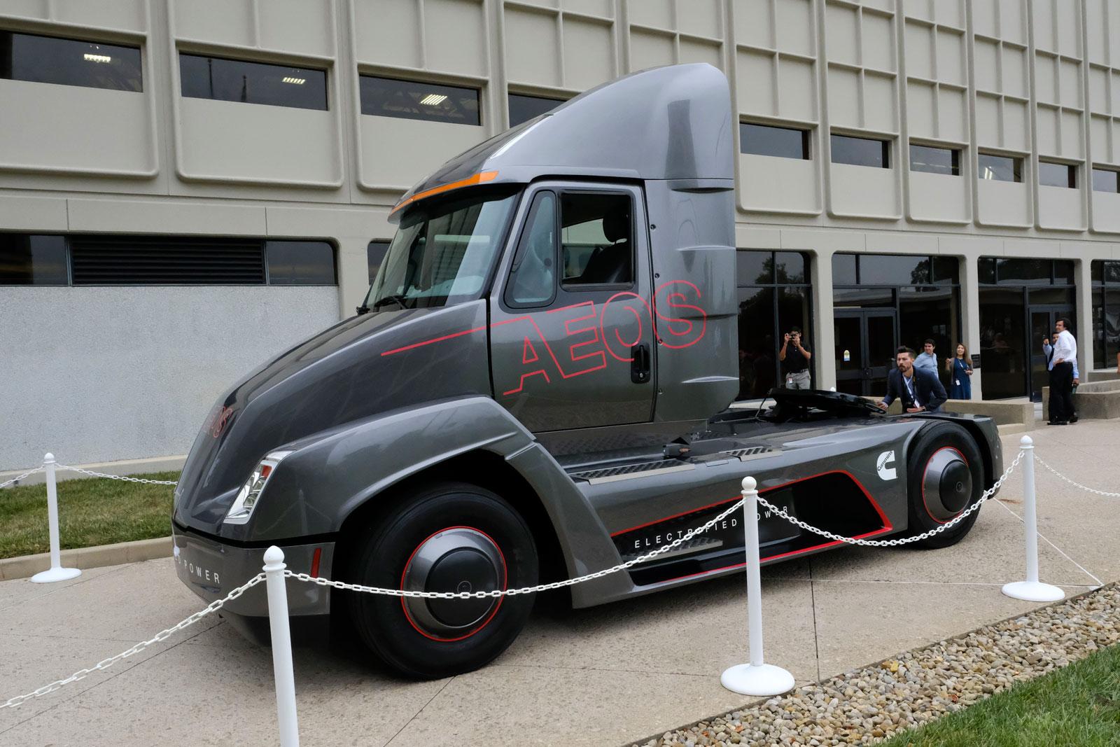 cummins-aeos-ev-semi-truck.jpg