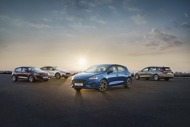 フォード、新型「フォーカス」を発表! セダンやクロスオーバー風モデルも登場