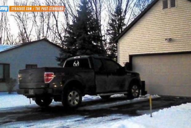 【ビデオ】自宅の私道なのになぜ? フォード「F-150」を駐車して訴えられた米夫婦