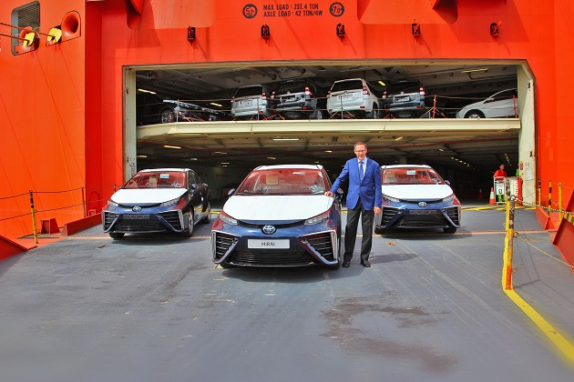 トヨタ「MIRAI」5台がヨーロッパに初上陸!