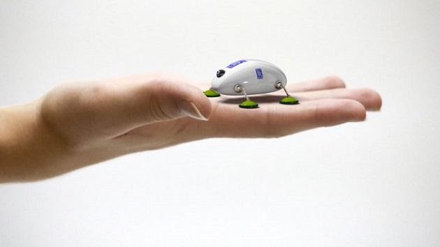 【ビデオ】ロールス・ロイスが開発を進めるエンジン点検用の小型ロボット「SWARM」