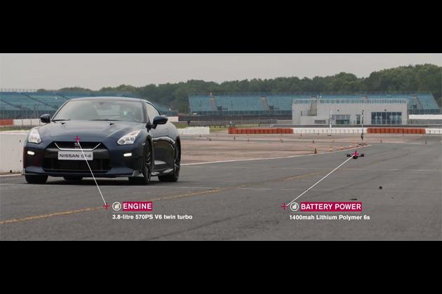 【ビデオ】日産「GT-R」とスーパーカー並みに速い日産「GT-Rドローン」が対決!