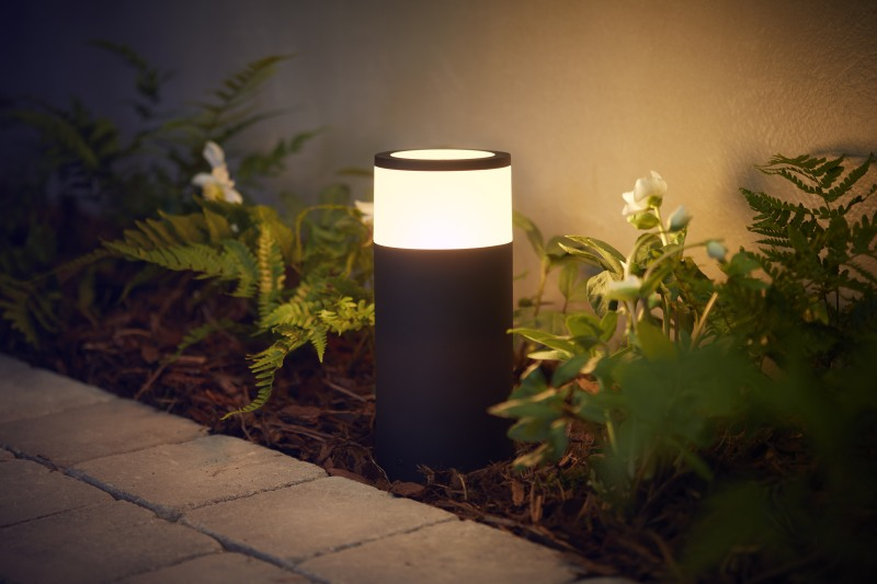 Philips Hue light outdoors
