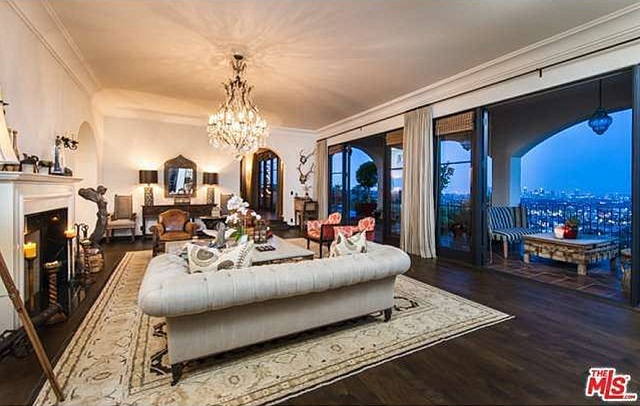 living room megan fox brian austin green los feliz;