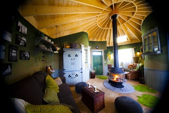 Irish Cottage treehouse by Nelson Treehouse and Supply in Huntington, CA