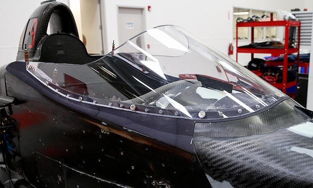 インディカー、シールド型保護デバイス装着マシン走行テストをライブ中継。2月10~11日フェニックス合同テストにて