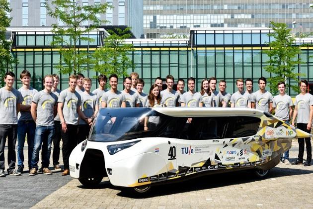 オランダの大学生チームが、ソーラー・チャレンジに挑む新型EV「ステラ・ルクス」を公開