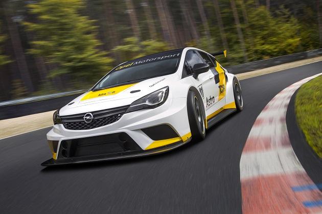 オペル、1,300万円の新型レーシングカー「アストラTCR」を公開!