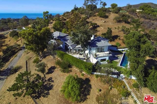 aerial view Tia Carrere home