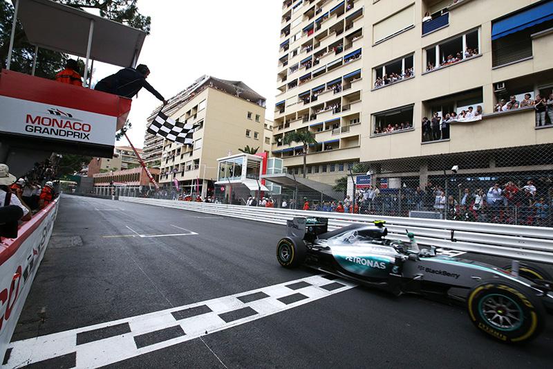 Nico Rosberg wins the 2015 Monaco F1 Grand Prix.