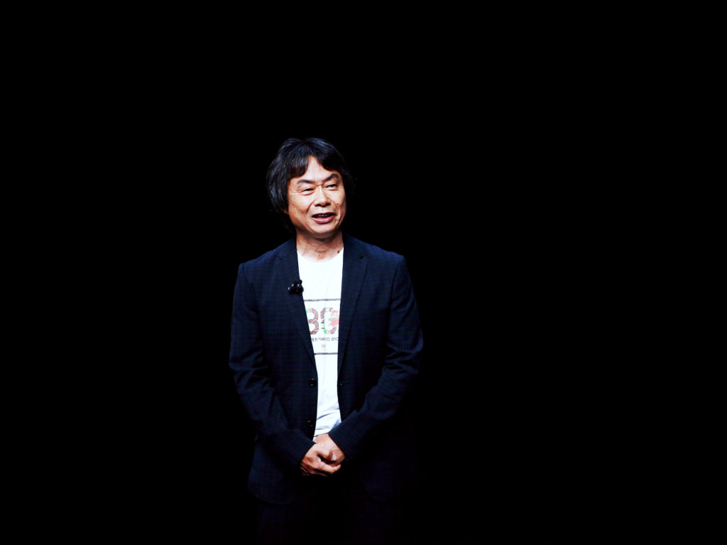 GW3NGE epa05528966 Nintendo's Shigeru Miyamoto speaks during the Apple launch event at the Bill Graham Civic Auditorium in San Francisco, California, USA, 07 September 2016. Media reports indicate an expected launch of several new products including a new iPhone, new Apple Watch, and new operating systems.  EPA/MONICA DAVEY