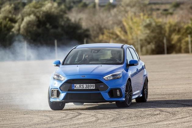 フォードが「フォーカスRS」オーナーのために無料のドライビング・スクールを開講!