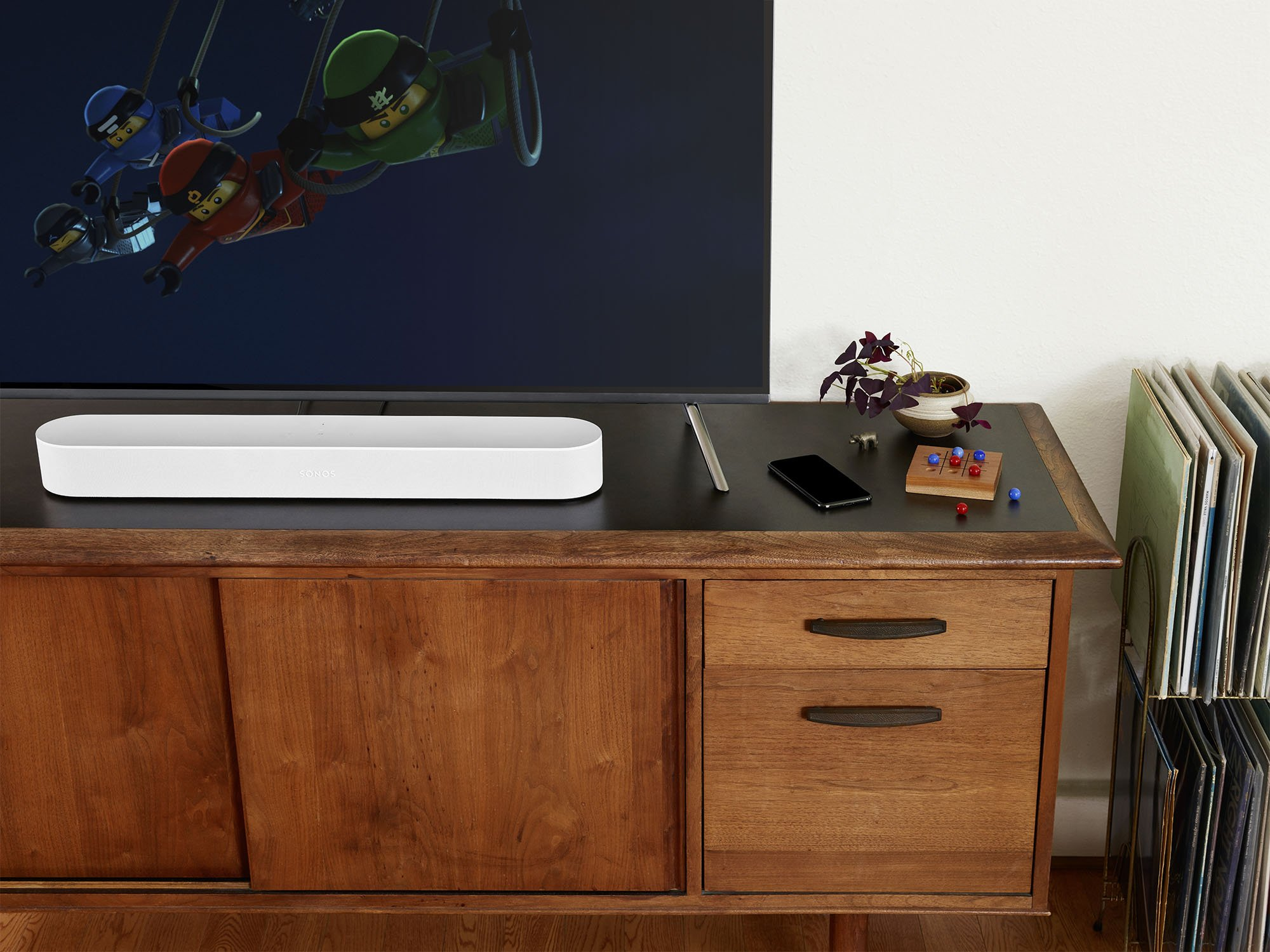 Sonos introduces 'Beam' sound bar with AirPlay 2, Siri and Alexa control