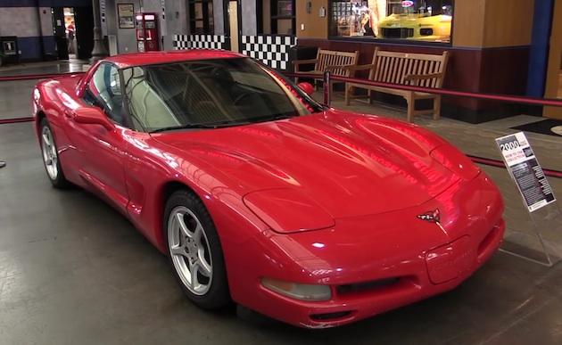 【ビデオ】124万km以上を走行した2000年型「シボレー コルベット」を、オーナーが全米コルベット博物館に寄贈