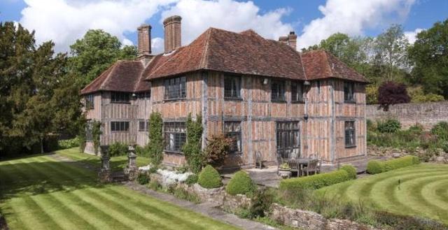 Sir Tom Jones' former Sussex manor for sale at £4.75m