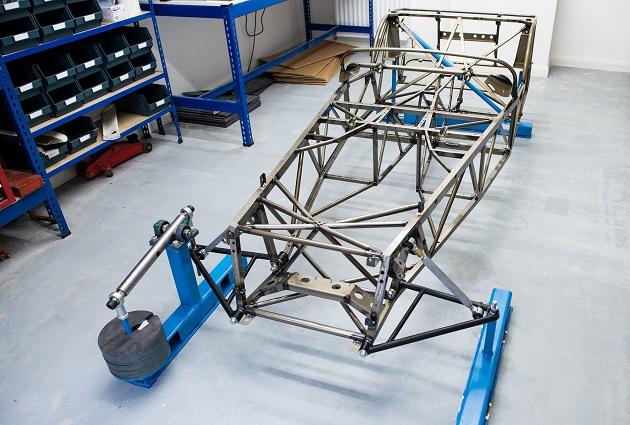 ケータハム、自転車の鋼管技術を利用して「セブン」のシャシーを10%以上も軽量化
