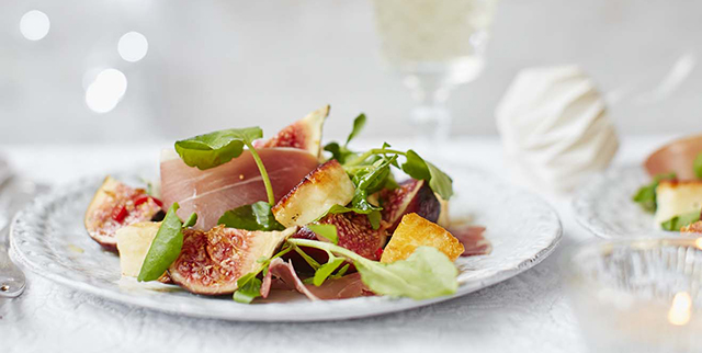 Serrano ham, halloumi and fig salad