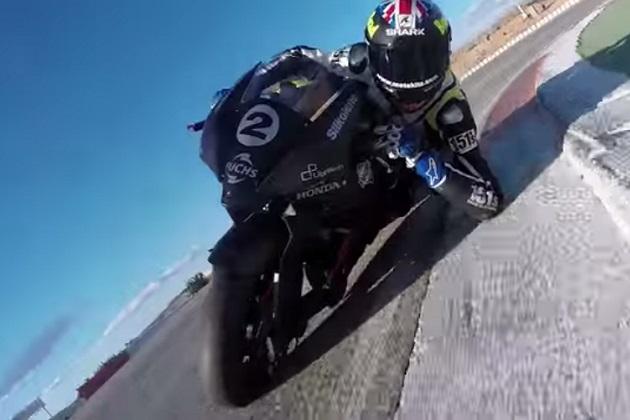 【ビデオ】Moto2仕様のハブステアマシンがサーキットを疾走!