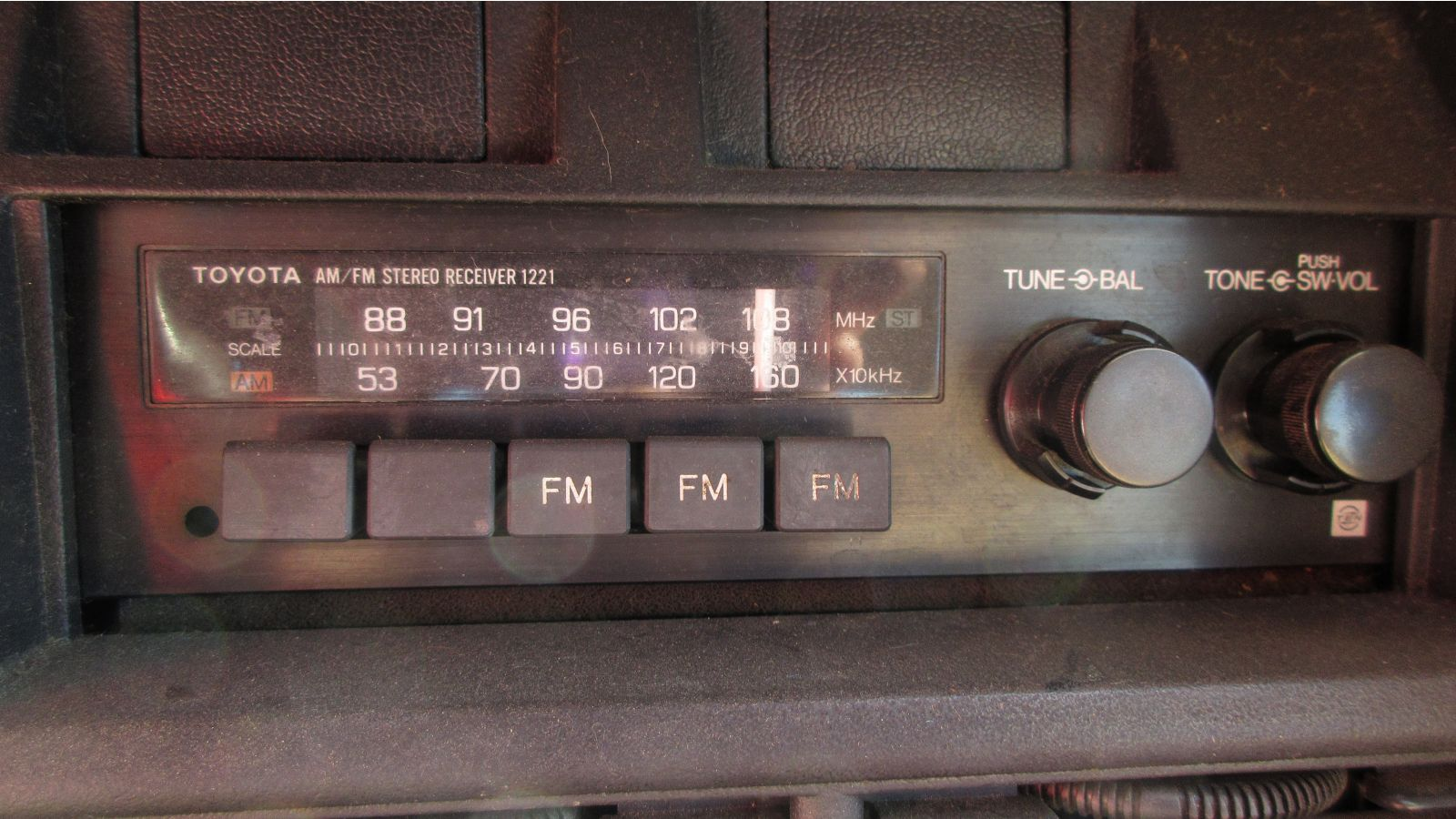 1982 toyota corolla sedan autoblog rh autoblog com 1983 Toyota Corolla 1980 Toyota Corolla