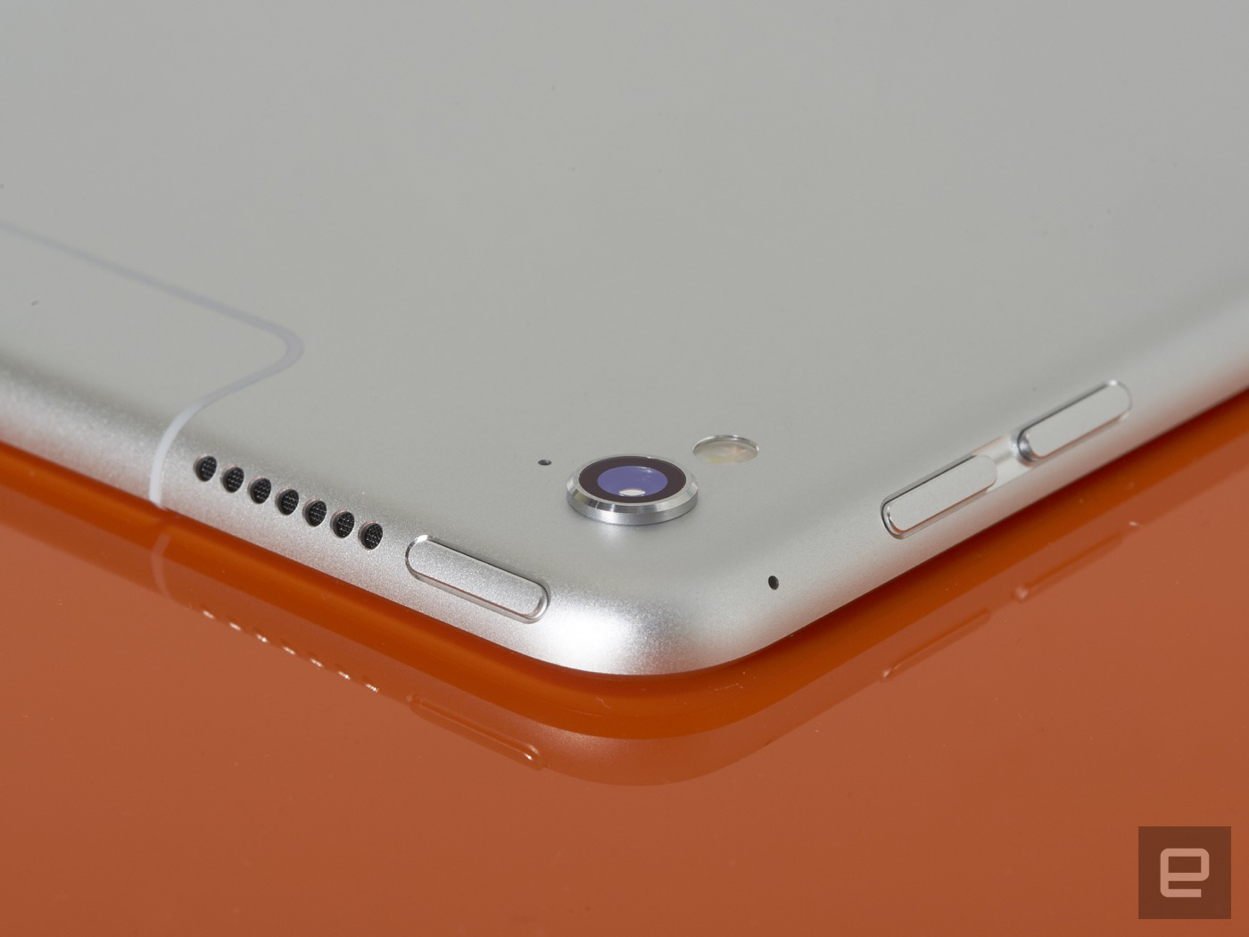 Ipad Pro 97 Review Apples Best Tablet But It Wont Replace A Laptop Apple Mini Retina 32gb Wifi Cell Silver Curiously The Inch Model Is In Some Ways More Impressive Than Original For Starters Features Iphone 6ss 12 Megapixel Rear Camera With