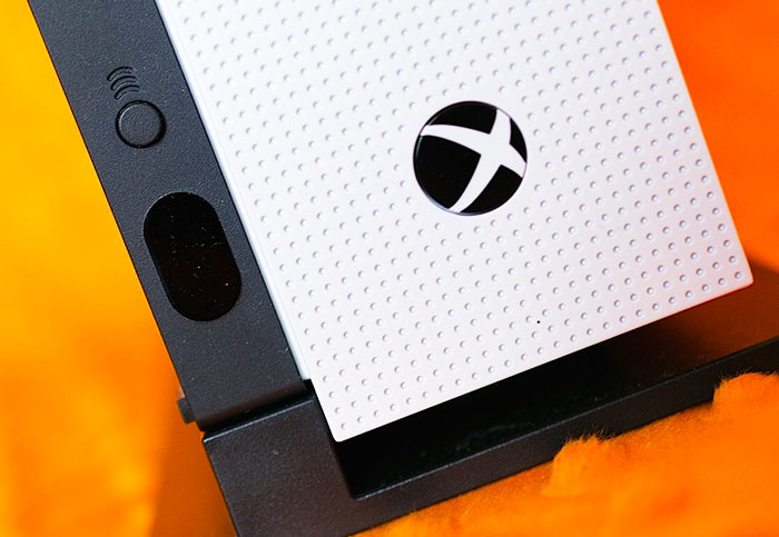 Microsoft promises 'all-new Xbox hardware' next month (updated)
