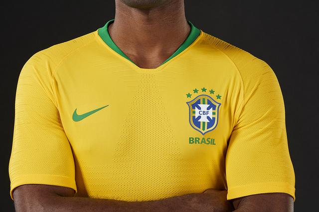 Seleção Brasileira estreia camisa da Copa da Rússia em amistoso contra donos da casa