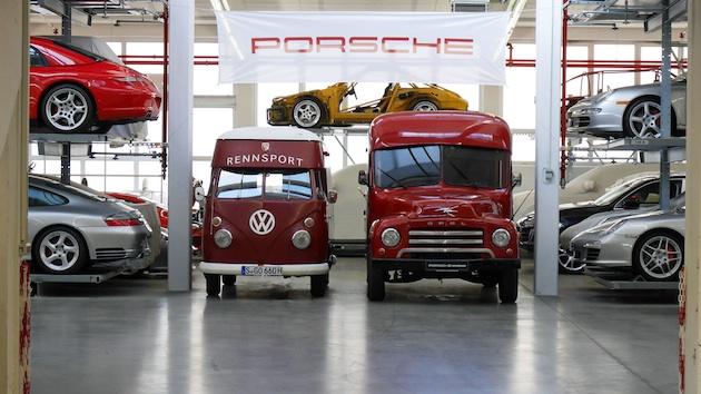 ポルシェ・ミュージアムの車両保管所には、貴重なモデルや試作車などお宝がいっぱい!