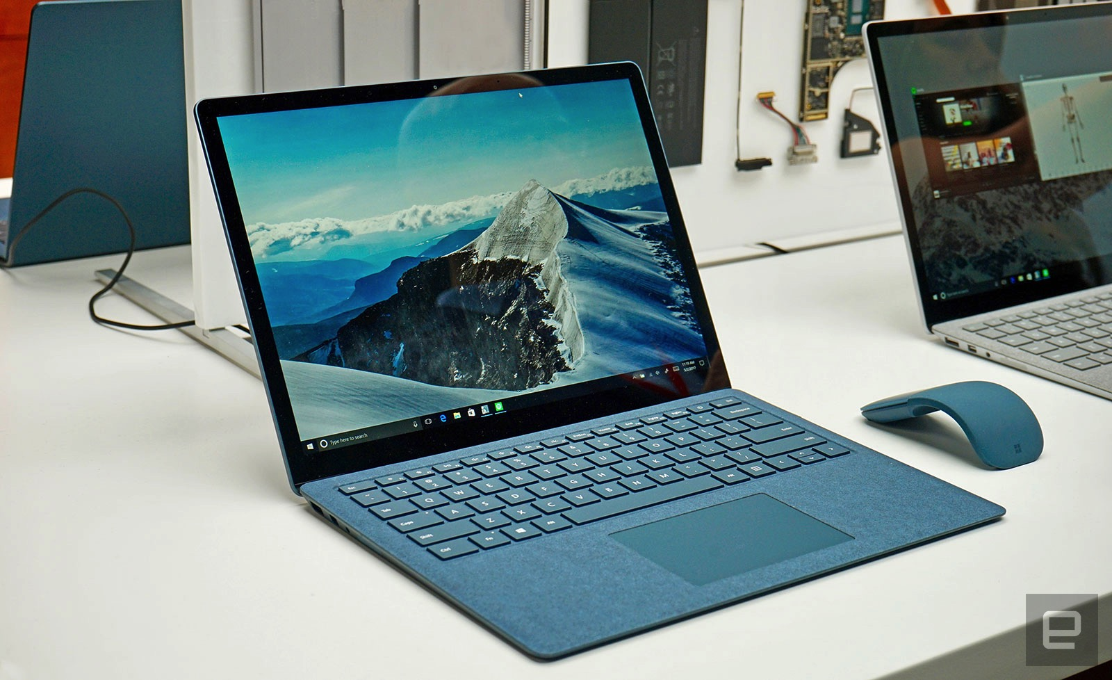 microsoft 39 s surface laptop doesn 39 t need gimmicks to be special. Black Bedroom Furniture Sets. Home Design Ideas