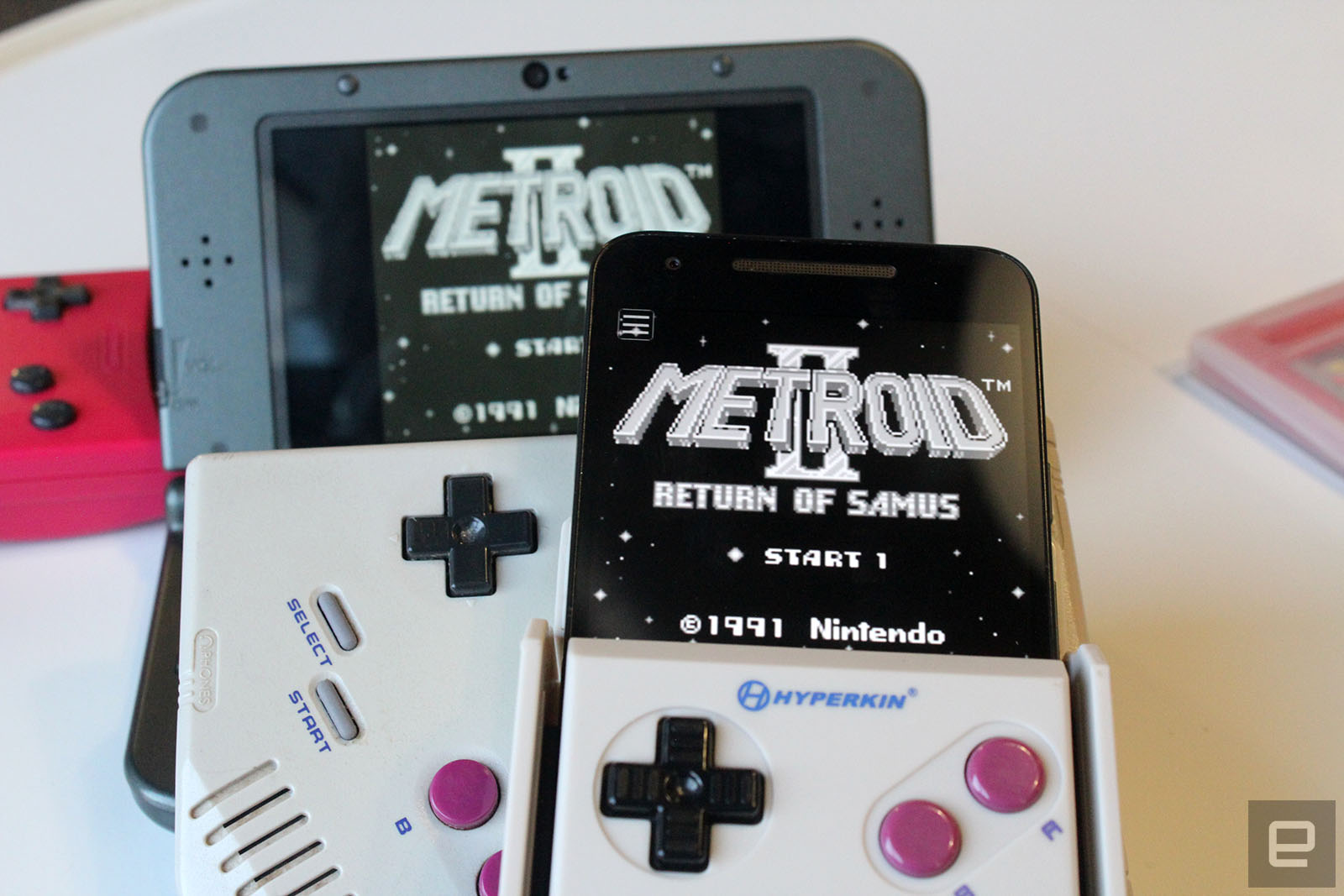 Turn Your Smartphone Into A Game Boy With Hyperkins Smartboy - Hyperkin smartphone gameboy