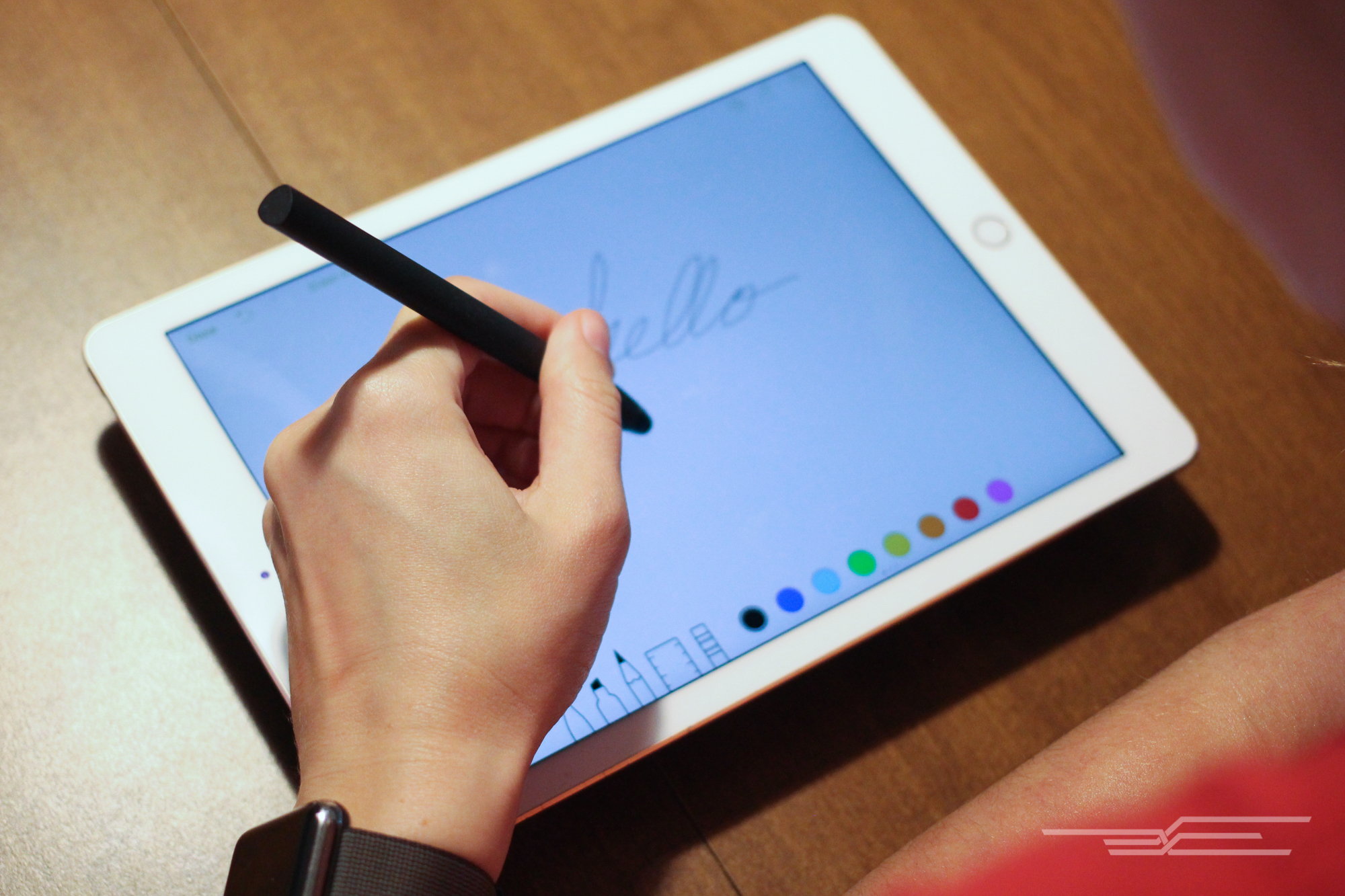 can you write essays on ipad 20 apps for writing on the ipad though the tablet, in form, tends towards consumption, the ipad can also serve as a capable word processor how capable depends on how demanding you are about your word processing.