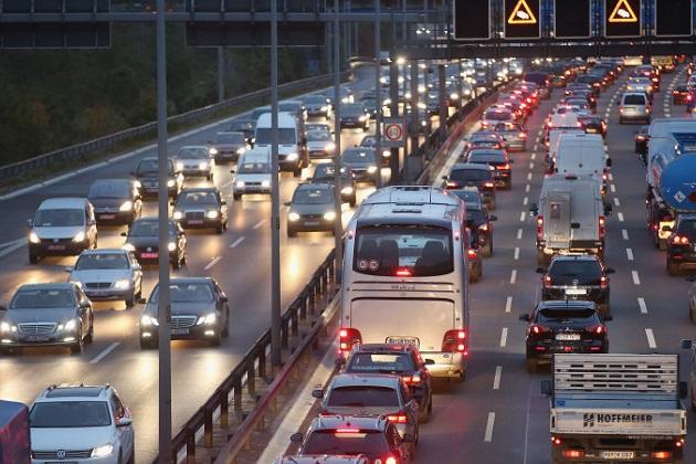 欧州自動車メーカー、「よりクリーンなクルマを造るにはもっと時間が必要」と主張