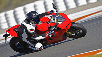 2018 Ducati Panigale V4 Superbike Motorcycle Review Autoblog