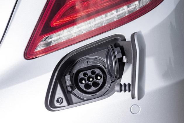 メルセデス・ベンツ、高級セダンの電気自動車「EQ S」を開発中であることが明らかに