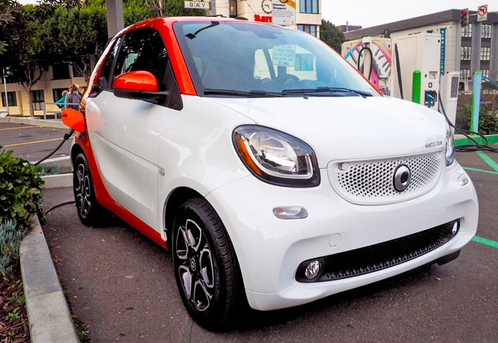Smart Fortwo EV Cabrio is the tiny car for the big city