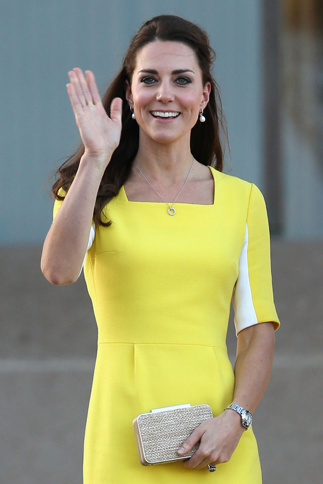 SYDNEY, AUSTRALIA - APRIL 16:  Catherine, Duchess of Cambridge greets the crowds of public outside Sydney Opera House on April 16, 2014 in Sydney, Australia. The Duke and Duchess of Cambridge are on a three-week tour of Australia and New Zealand, the first official trip overseas with their son, Prince George of Cambridge.  (Photo by Chris Jackson/Getty Images)