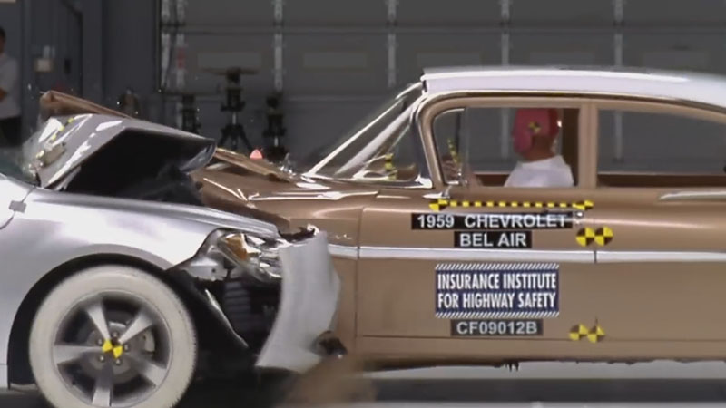 1959 Chevrolet vs 2009 Chevrolet crash test
