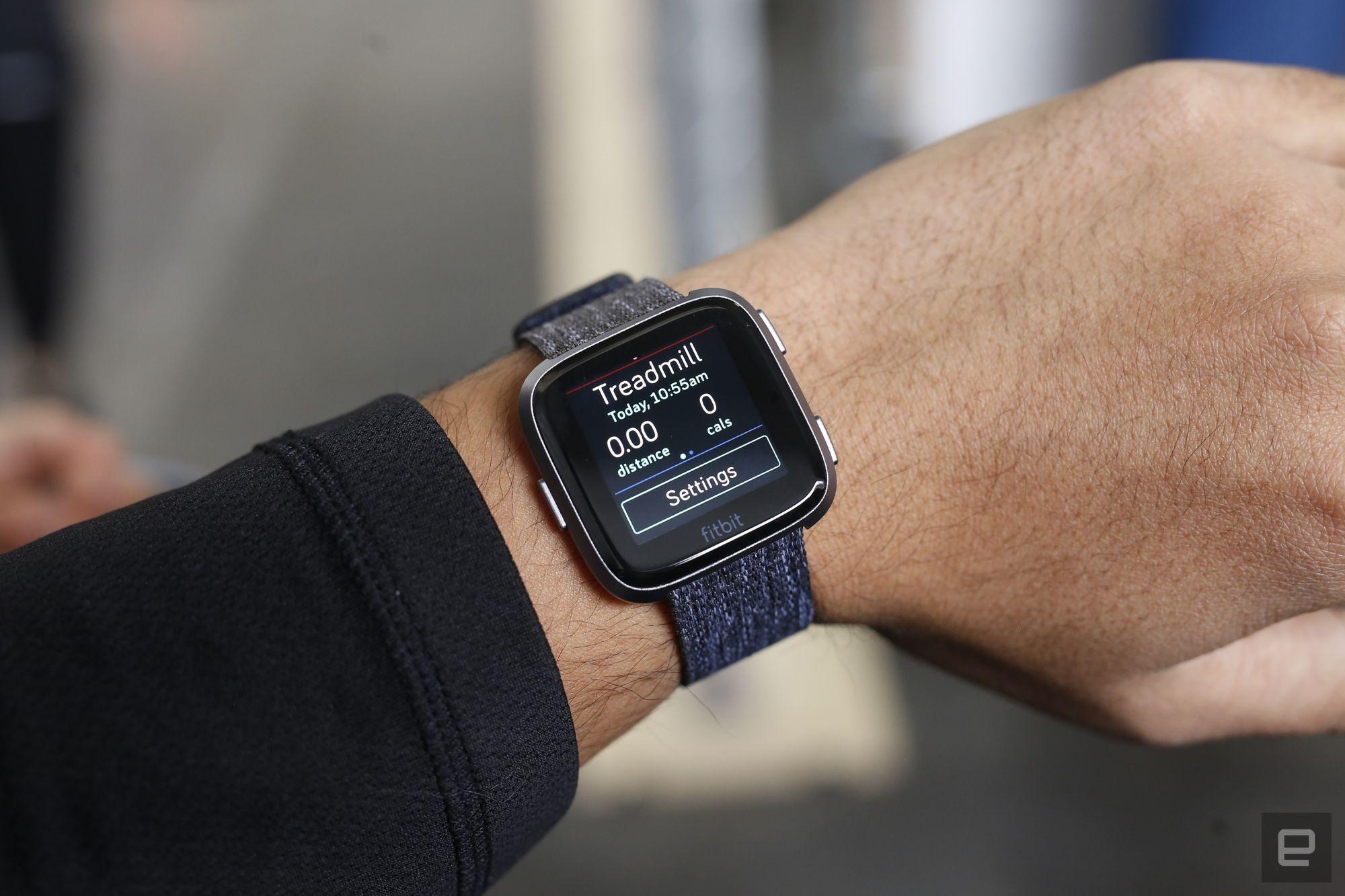 售价200 美元的Fitbit Versa 是一款更容易被大众接受的健身手表