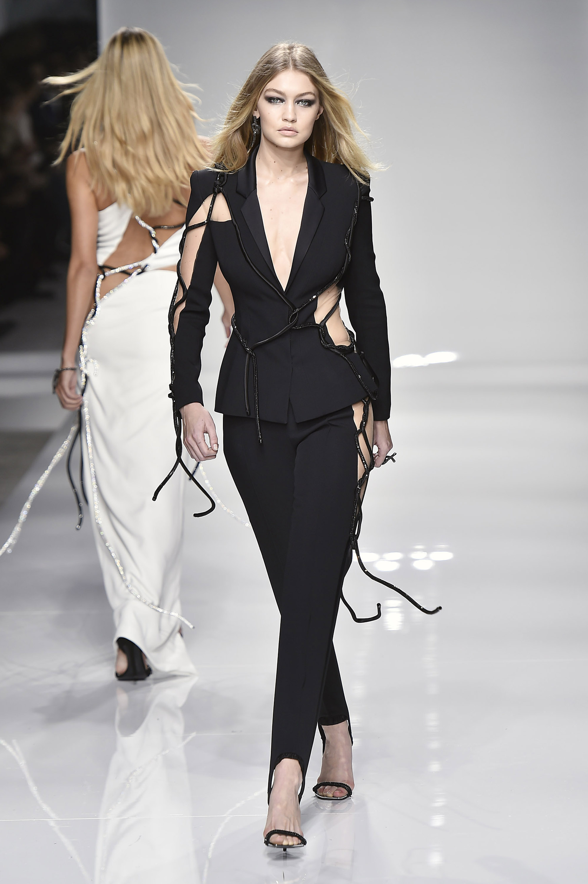 Atelier Versace - Spring Summer 2016 Runway - Paris Haute Couture Fashion Week