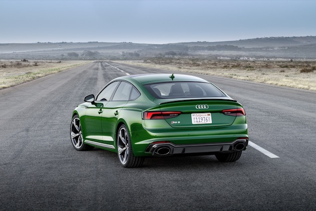 This information applies exclusively to the version of the Audi RS 5 Sportback offered in the USA and Canada. The model is currently not yet available for purchase in Germany or the EU.