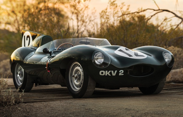 1954年のル・マン24時間レースに出場したジャガー「Dタイプ」ワークス仕様車がオークションに出品 予想落札価格は十数億円!